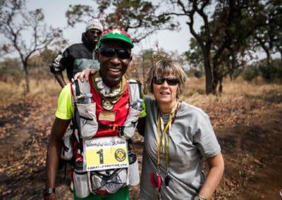 Isabelle Paucot & Anatole Gouba (Burkina Faso) sur un check-point de l'Ultra AFRICA Race 2015
