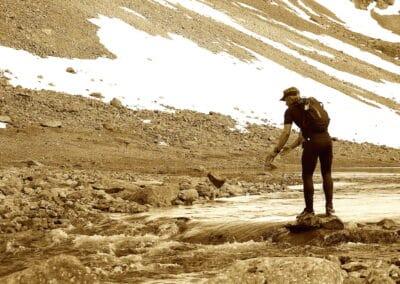 Thomas Philip Kolstrøm en reconnaissance dans les Alpes de Lyngen