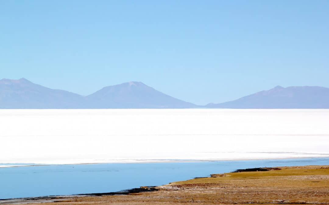 Discovering the Salar de Uyuni, the largest salt desert in the world